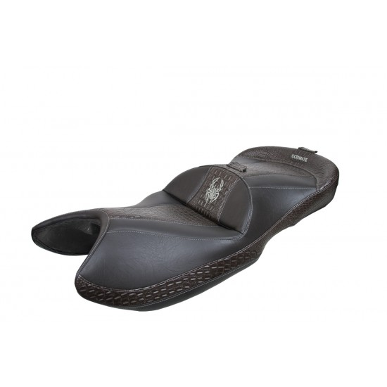 Spyder ST Seat - Ultimate Ebony Croc Inlays and Logos